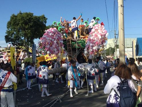 苅田山笠伝統の神幸祭大勢の町民で賑わう(苅田町)