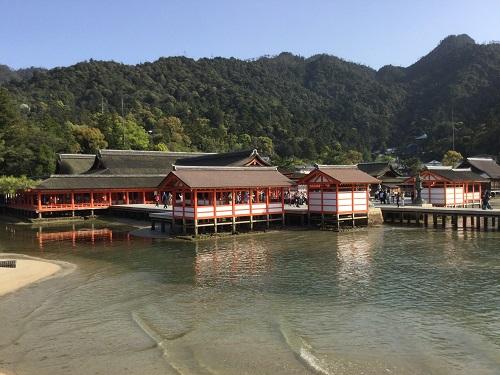 海に浮かぶ神秘の世界遺産〜厳島神社〜