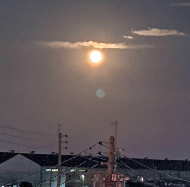 中秋の名月8年ぶりの満月
